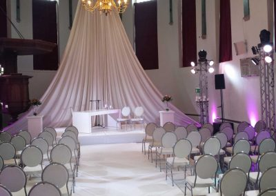 Ceremonie-witte-stoel
